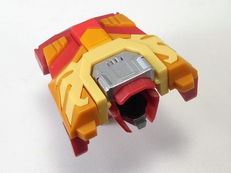 プロテクター、胸部・頭部装甲収納状態