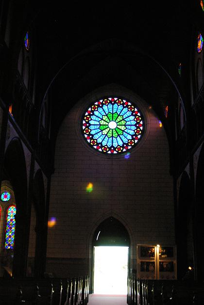 聖ザビエル天主堂・薔薇窓